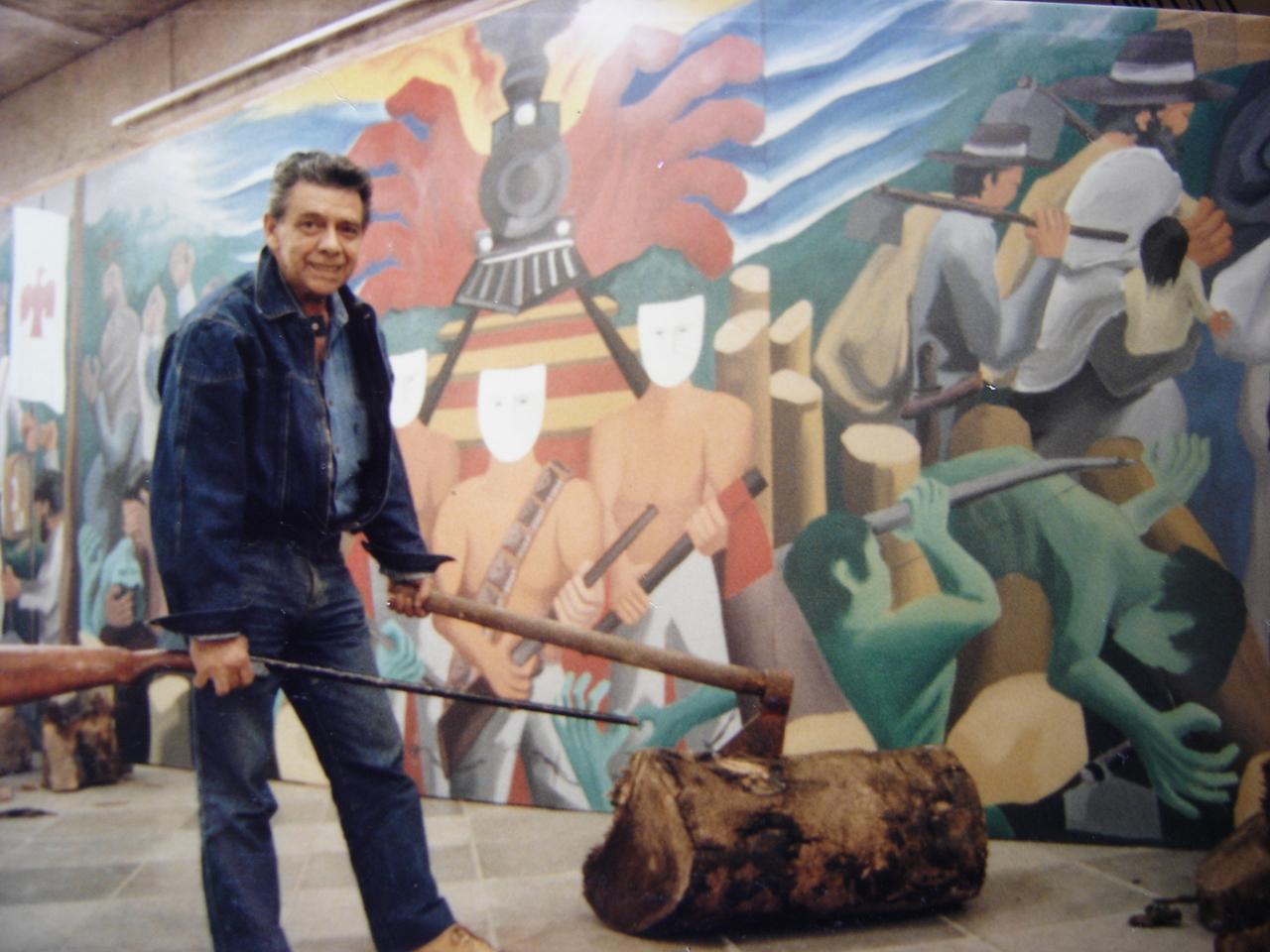 Foto do artista em sua primeira exposição do Painel da Guerra do Contestado