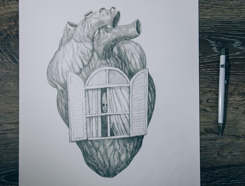 homem espiando o mundo de dentro do seu próprio coração